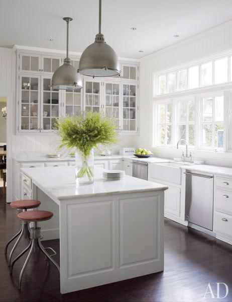 Item8.rendition.slideshowWideVertical.victoria-hagan-07-kitchen